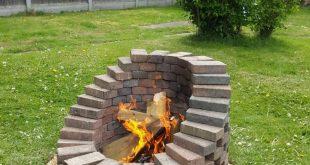 Einige haben Pflastersteine und Schindeln übrig gelassen und bringen auch ein bisschen Wärme raus